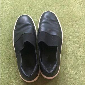 Black Leather Vince slip on's